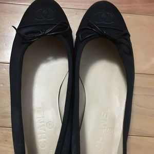 Chanel Black Ballet Flats Size 36. Only worn 2xs!